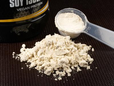 Proteinpulver: Ein idealer Mehlersatz mit wenigen Kohlenhydraten